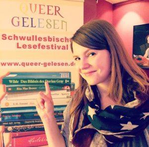 Lina Kaiser beim QUEER gelesen Lesefestival